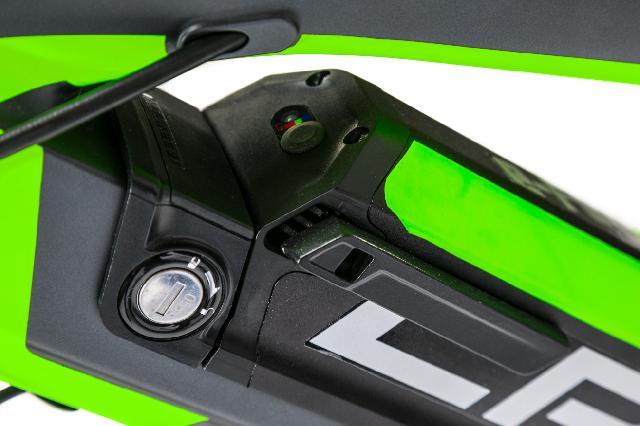 Elektrokolo crussis 47 e full 7 4 s barva cerna a zelena 4